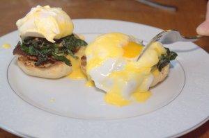 Eggs Benetine