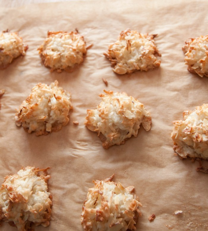 These Almond Coconut Macaroons are the perfect cookie! They are incredibly easy to make, super delicious and even gluten free!