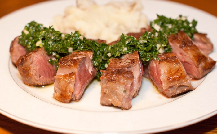 Perfectly cooked Sirloin Steak with a homemade Chimichurri Sauce!